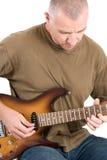 Uomo che gioca chitarra elettrica fotografie stock libere da diritti