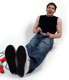 Uomo che gioca i video giochi. Fotografia Stock Libera da Diritti