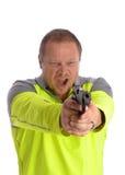 Uomo che indica pistola in avanti ed urlo Fotografia Stock Libera da Diritti
