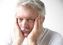 Uomo che sembra annoiato Fotografie Stock