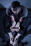 Uomo che soffre dalla depressione Fotografia Stock Libera da Diritti