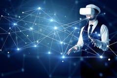 Uomo che tocca i segni di connettivit? 3D e della rete illustrazione di stock