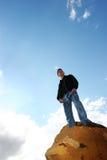 Uomo in cima al mondo Fotografia Stock Libera da Diritti