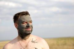 Uomo con fango sano Fotografia Stock Libera da Diritti