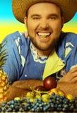 Uomo con frutta Fotografia Stock Libera da Diritti
