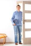 Uomo con i appunti Fotografia Stock Libera da Diritti