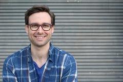 Uomo con i denti perfetti bianchi diritti con lo spazio della copia Fotografie Stock
