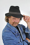 Uomo con il cappello nero Fotografia Stock Libera da Diritti