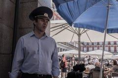 Uomo con il cappuccio russo dei militari Immagine Stock