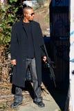 Uomo con il fucile di assalto Immagine Stock Libera da Diritti