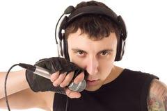 Uomo con il microfono fotografie stock libere da diritti