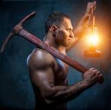 Uomo con il piccone Immagine Stock Libera da Diritti