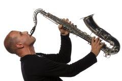 Uomo con il sassofono Fotografie Stock Libere da Diritti