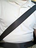 Uomo con la cintura di sicurezza Immagini Stock Libere da Diritti