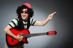 Uomo con taglio di capelli divertente Fotografie Stock Libere da Diritti