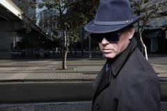 Uomo con un cappello e gli occhiali da sole Fotografia Stock Libera da Diritti