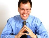 Uomo con un sorriso indiretto Fotografia Stock
