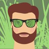 Uomo con una barba e gli occhiali da sole rispecchiati Immagini Stock