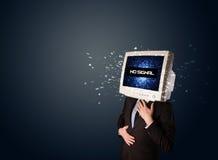 Uomo con una testa del monitor, nessun segno del segnale sull'esposizione Immagini Stock Libere da Diritti