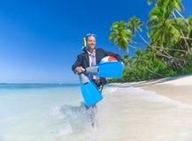 Uomo d'affari Activity sul concetto di festa della spiaggia Fotografia Stock Libera da Diritti