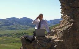 Uomo d'affari all'aperto Fotografie Stock Libere da Diritti