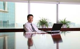 Uomo d'affari asiatico fotografia stock
