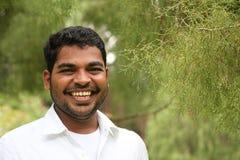 Uomo d'affari asiatico/indiano felice, emozionante & bello Immagine Stock