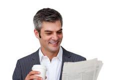 Uomo d'affari carismatico che beve un caffè Fotografia Stock Libera da Diritti