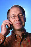 Uomo d'affari casuale sul telefono delle cellule Fotografie Stock Libere da Diritti