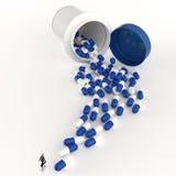 Uomo d'affari che esamina la medicina della capsula 3d royalty illustrazione gratis