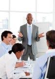 Uomo d'affari che fa una presentazione Immagini Stock