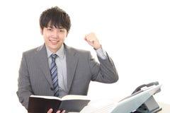 Uomo d'affari che gode del successo fotografie stock libere da diritti