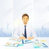 Uomo d'affari che lavora con i documenti che si siedono a illustrazione vettoriale
