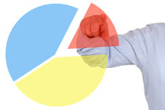 Uomo d'affari che mostra un diagramma di diagramma a torta di statistiche d'impresa Fotografia Stock