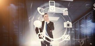Uomo d'affari che pensa ai molti applicationa 3d Immagine Stock Libera da Diritti