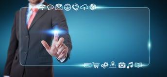 Uomo d'affari che pratica il surfing su Internet con l'interfaccia tattile digitale 3 Immagine Stock Libera da Diritti