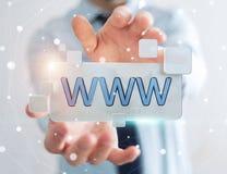 Uomo d'affari che pratica il surfing su Internet facendo uso della barra degli indirizzi tattile 3D di web Immagini Stock Libere da Diritti
