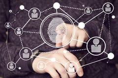 Uomo d'affari che preme il pannello moderno dell'icona di tecnologia con la stampa dell'impronta digitale royalty illustrazione gratis