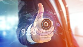 Uomo d'affari che tiene un bottone di un'automazione della casa astuta app - 3d Immagini Stock Libere da Diritti