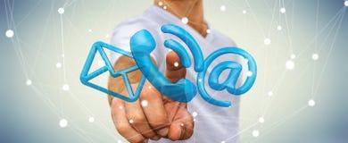 Uomo d'affari che tocca l'icona del contatto della rappresentazione 3D con il suo dito Immagine Stock