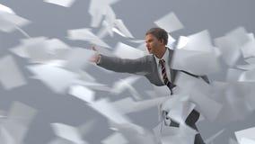 Uomo d'affari che va contro il vento Fotografie Stock Libere da Diritti
