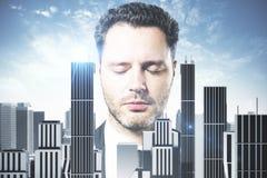 Uomo d'affari in città astratta Immagini Stock Libere da Diritti