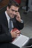 Uomo d'affari con i guanti di inscatolamento immagini stock libere da diritti