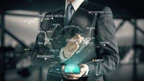 Uomo d'affari con il concetto dell'ologramma di investimento dei prodotti stock footage