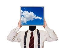 Uomo d'affari con lo schermo di computer del cielo Immagini Stock Libere da Diritti