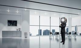 Uomo d'affari con una vecchia TV invece della testa Immagini Stock Libere da Diritti
