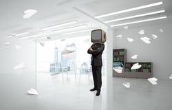 Uomo d'affari con una vecchia TV invece della testa Fotografia Stock Libera da Diritti