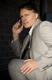 Uomo d'affari di sguardo ansioso. Immagine Stock