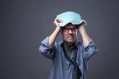 Uomo d'affari disordinato arrabbiato Fotografia Stock
