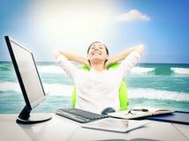 Uomo d'affari Dreaming About Vacation Immagine Stock Libera da Diritti